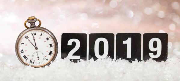 clock with 2019